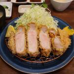 147219590 - 特上リブロースかつ定食(230g 税込3,300円)                       (京中式 長期熟成豚)