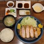 147219592 - 特上リブロースかつ定食(230g 税込3,300円)                       (京中式 長期熟成豚)