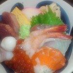 みなと寿司 - 海鮮丼(アップ)(2012.8)