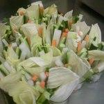 鷹羽 - 野菜スティックサラダは自家製のお味噌でどうぞ^^