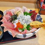 網元の店八代 - 特上大漁丼