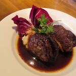 オイノス - 牛ホホ肉の赤ワイン煮