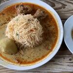 不思議香菜 ツナパハ - スリランカヌードルカリー
