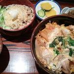 14727046 - 親子丼750円+ミニ冷やし蕎麦200円