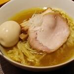 麺 みつヰ - 塩、中太手もみ麺+味玉100円