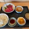 Uoshin - 料理写真:特上中トロと特上すき身大盛り