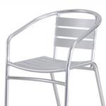 都会の農園バーベキュー広場 - 一人掛けチェアです。ベンチタイプの座席をゆったり使ったり、荷物置きが必要な場合など、区画に元から用意されている座席では足りないときに、追加利用することが可能です。※基本器材には、予約人数分の椅子が標準装備されておりますので、不足時のみご活用下さい。