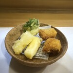 147288779 - ◆天ぷら3種・・真名鰹、ホワイトアスパラ、三つ葉