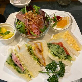サンドウィッチ ルマン - 料理写真:ヅカセット(たまご、野菜、カツ、ハム)