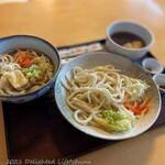 玉喜亭 - 料理写真:かけうどん(350円税込)、つけうどん(350円税込)