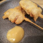 Kushina - ホタルイカ串カツ、2串で396円