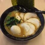 銀家 - 料理写真:味玉無料は嬉しい(´,,•ω•,,`)