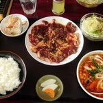 焼肉ハウス 舟山 - ジャンボジンギスカン定食(みそ汁をカルビスープに変更)