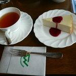 ティーラウンジ - 料理写真:チーズケーキ