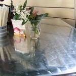 埜庵 - 1階のテーブル席