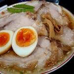 147300750 - やわらかバラ肉そば(煮卵入り)1,177円税込※2020/3月現在