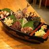 魚の四文屋 - 料理写真:2012.8 刺身盛り合わせ(2,000円)あじ、ほっき貝、かつお、黒むつ、たこ、さざえ