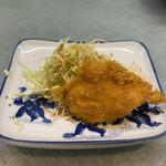 西村食堂 - 造り定食 2,600円 (一人前) (前菜、白身のフライ)