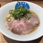 笑顔ノキラメキ - 料理写真:鶏白湯 醤油(о´∀`о)
