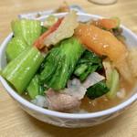 中華さと - ご飯茶碗に残った野菜やらスープを入れて雑炊風に頂くのも旨いな~