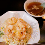 博雅 - えびチャーハン ¥800 (スープつき)