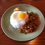 モンスーンカフェ - タイ米でガパオ炒めご飯