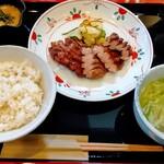 牛たん焼き 仙台辺見 - 料理写真:上たん焼き定食