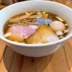 麺処 ぐり虎 - 醤油味玉中華蕎麦