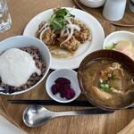 chano-ma - 若鶏のスパイシー黒胡椒揚げ+とろろごはん+だし巻き卵明太子ソース