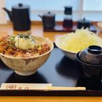 とんかつ武信 - 醤油かつ丼ロース・竹130g(1,600円)