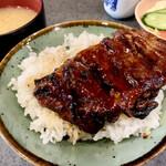 加賀屋 - 鰻丼850円