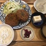 神保町魚金 弐 - 林SPFポークのメンチカツ定食@1,100円