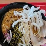サワディー家 - カオソーイ米麺