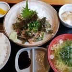 ろばた焼 磯貝 -  鯛ゴマ定食 800円