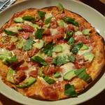 トスカーナの食卓 - アボカドのピッツァ