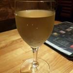 トスカーナの食卓 - 白ワイン:メロ・トレピアーノ