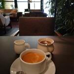 MOTHERS ORIENTAL - プラス200円で              コーヒーと サラダが つきます