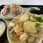 大福食堂 - 威圧的な豚汁