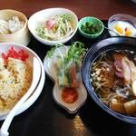 味神館 - プチランチ(チャーハンと醤油ラーメン)