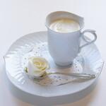 デザートカフェ長楽館 - ウインナーコーヒー