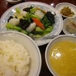慶福楼 市場通り店 - ランチは、このあと杏仁豆腐が付く