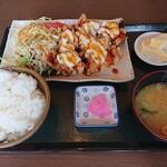 お食事処 楽 - 料理写真:チキン南蛮定食(970円)