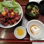147403601 - 甲府鳥モツ煮丼