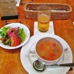 14741744 - ランチセットのスープ・サラダ