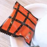 さかい珈琲 - ピーナッツのお茶菓子が付いて来ます❤︎
