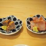 菊水鮓 - 豆皿2品(平目の肝、鰤の腹筋)
