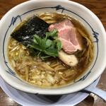 百日紅 - 煮干しそば・醤油(850円)