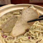 ラーメン8 - 鶏チャーも燻製!!
