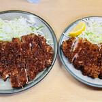 橋政 - 料理写真:左:ロースかつ 右:とんかつ