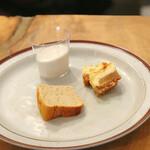 ザ バーガー ショップ - おかわりの桜ブランマンジェ、紅茶シフォンケーキ、チーズケーキ2個